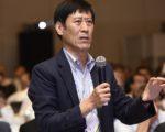52 Moderator Calvin LEE_HengE