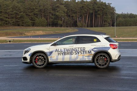 112_GKN-All-Twinster-Hybrid-System-at-CTI-Test-Drive