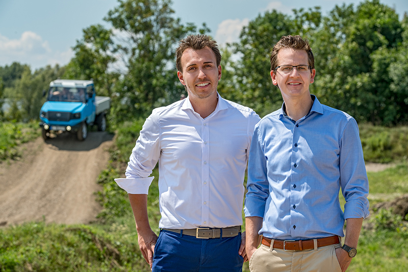 Graduate Engineer Sascha Koberstaedt and graduate engineer Martin Soltes, heads of the aCar project